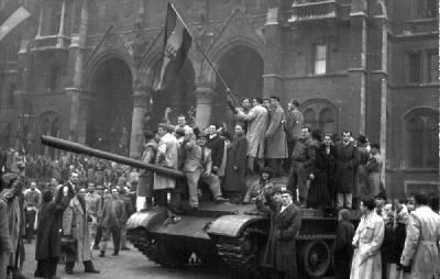 1956_hungarian_revolution_demonstration28_oct23_parliament