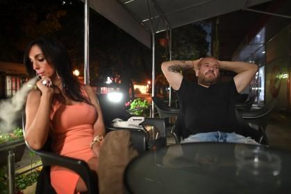 grŠnsen bulgarien-turkiet. foto urban andersson dinko valev har blivit beršmd i bulgarien fšr sin jakt pŒ flyktingar. han sŠger att han kan samla ihop 3000 man šver natten om det skulle behšvas. han sŠger att fem partier velat vŠrva honom. i en annan intervju har han sagt att tio partier vill vŠrva honom.