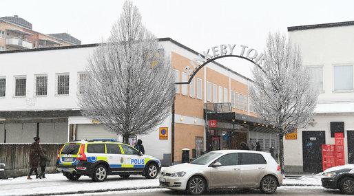 polisbil-rinkeby-upplopp